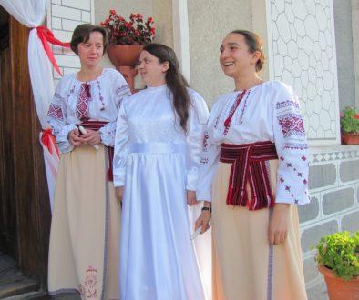 Батьки благословили доню на посвяту Богові та Україні